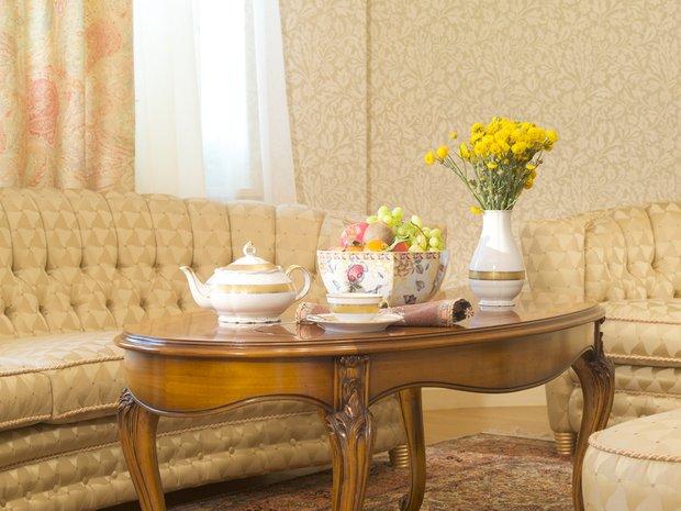 Фотография: Гостиная в стиле Прованс и Кантри, Классический, Современный, Декор интерьера, Мебель и свет, Марат Ка – фото на INMYROOM