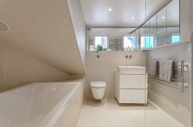Фотография: Ванная в стиле Современный, Квартира, Мебель и свет, Дома и квартиры – фото на InMyRoom.ru