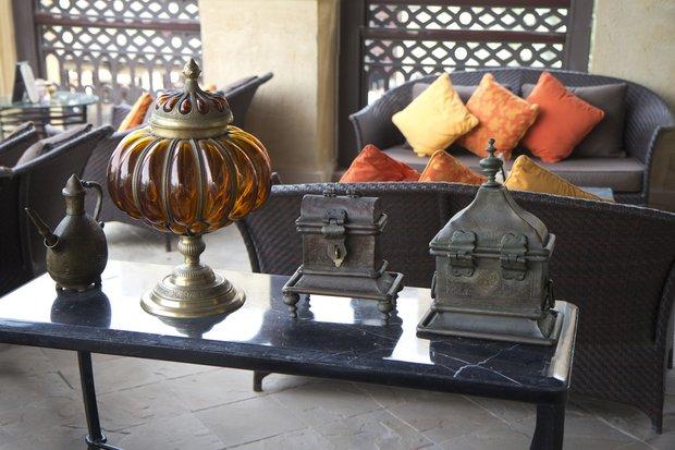 Фотография:  в стиле Восточный, Декор интерьера, Текстиль, Подушки – фото на INMYROOM