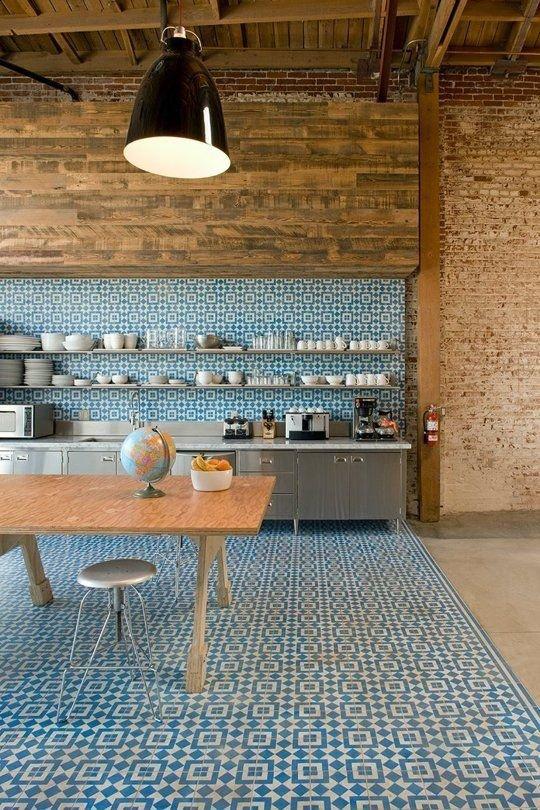 Фотография: Кухня и столовая в стиле Лофт, Декор интерьера, Дизайн интерьера, Декор, Цвет в интерьере – фото на InMyRoom.ru