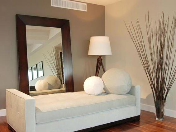 Фотография: Мебель и свет в стиле Современный, Декор интерьера, DIY, Цвет в интерьере, Стиль жизни, Советы, Белый, Зеркала – фото на INMYROOM