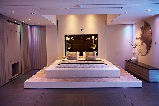 Фотография: Спальня в стиле Современный, Хай-тек, Малогабаритная квартира, Квартира, Стиль жизни, Советы – фото на INMYROOM