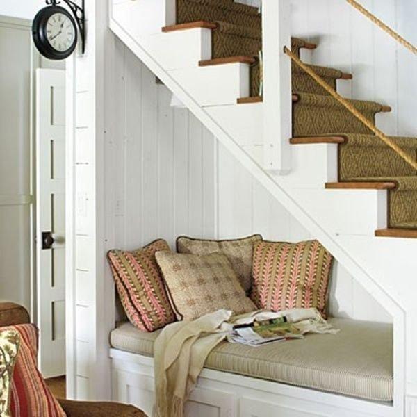 Фотография:  в стиле Классический, Современный, Гардеробная, Декор интерьера, Хранение, Декор дома, Лестница, Гардероб – фото на INMYROOM