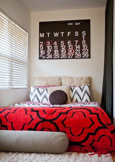 Фотография: Спальня в стиле Скандинавский, Декор интерьера, Квартира, Дома и квартиры, Стены, Картины, Современное искусство – фото на INMYROOM