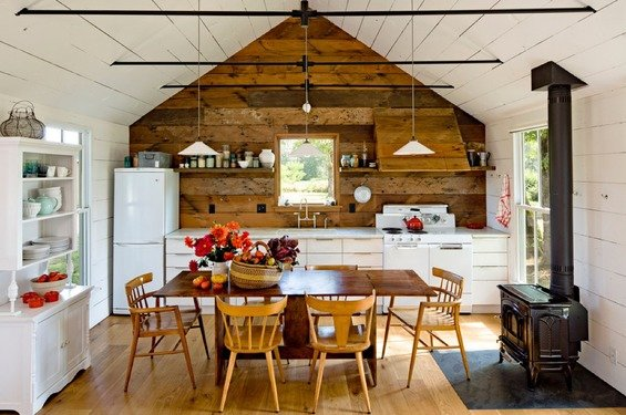 Фотография: Кухня и столовая в стиле Прованс и Кантри, Декор интерьера, Квартира, Стиль жизни, Советы, Стены – фото на INMYROOM