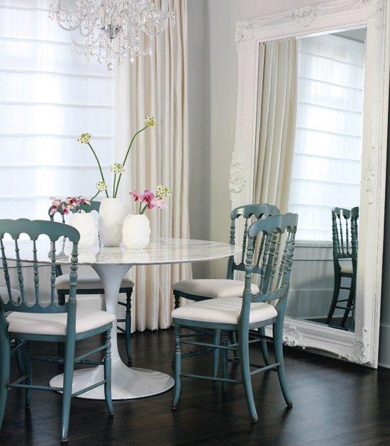 Фотография: Кухня и столовая в стиле Классический, Современный, Декор интерьера, Дом, Стиль жизни, Советы, Зеркала – фото на INMYROOM