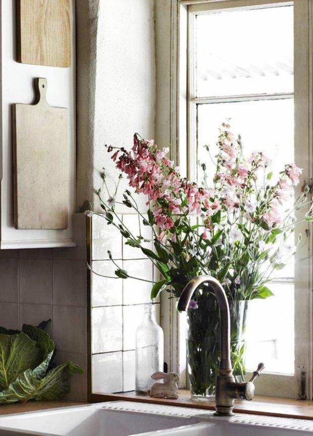 Фотография: Кухня и столовая в стиле Прованс и Кантри, Скандинавский, Флористика, Стиль жизни – фото на INMYROOM