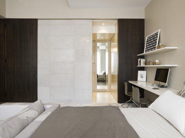 Фотография: Спальня в стиле Лофт, Кабинет, Интерьер комнат – фото на INMYROOM