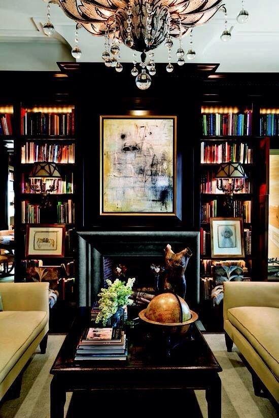 Фотография: Гостиная в стиле Эклектика, Хранение, Стиль жизни, Советы, Библиотека – фото на INMYROOM