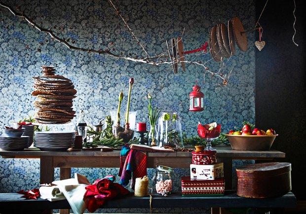 Фотография: Декор в стиле Современный, Декор интерьера, Праздник, Индустрия, Новости, IKEA, Посуда, Новый Год, Сервировка стола, Светильники, Скатерти – фото на InMyRoom.ru