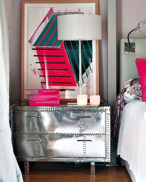 Фотография: Мебель и свет в стиле Лофт, Спальня, Декор интерьера, Стол – фото на INMYROOM