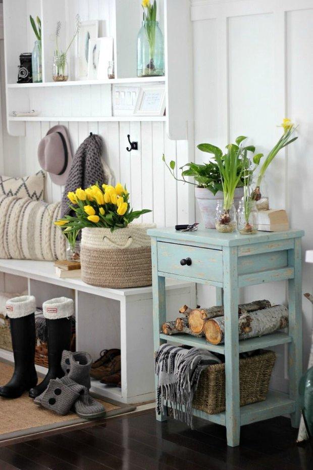 Фотография: Прихожая в стиле Прованс и Кантри, Декор интерьера, Декор, весенний декор интерьера – фото на INMYROOM