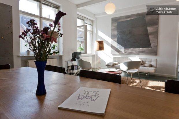 Фотография: Кухня и столовая в стиле Современный, Декор интерьера, Квартира, Дома и квартиры, Airbnb – фото на InMyRoom.ru