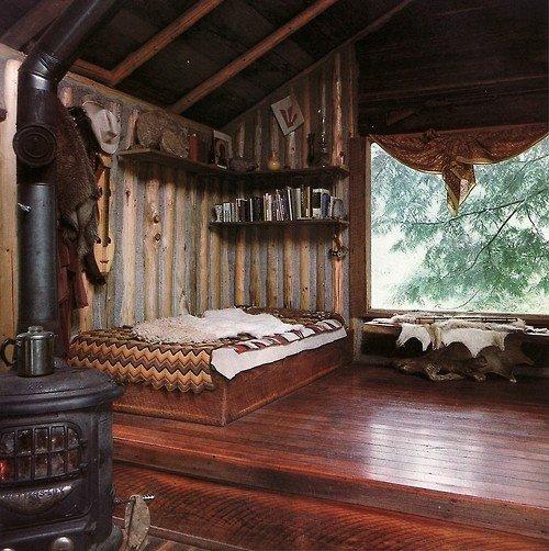 Фотография: Спальня в стиле Прованс и Кантри, Декор интерьера, Дом, Декор дома, Камин – фото на INMYROOM