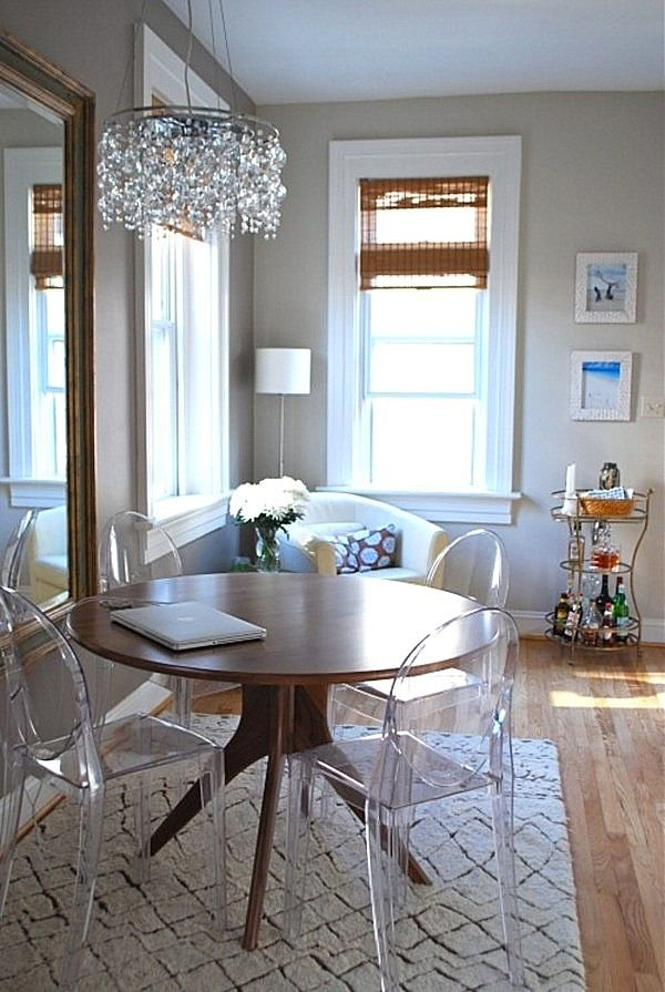 Фотография:  в стиле , Декор интерьера, Малогабаритная квартира, Аксессуары, Декор, Мебель и свет, Советы, как увеличить маленькую гостиную, идеи для малогабаритки, маленькие комнаты – фото на InMyRoom.ru