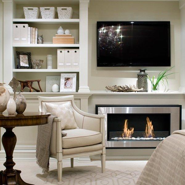 Фотография: Гостиная в стиле Эклектика, Интерьер комнат, Мебель и свет, Диван, Потолок – фото на INMYROOM