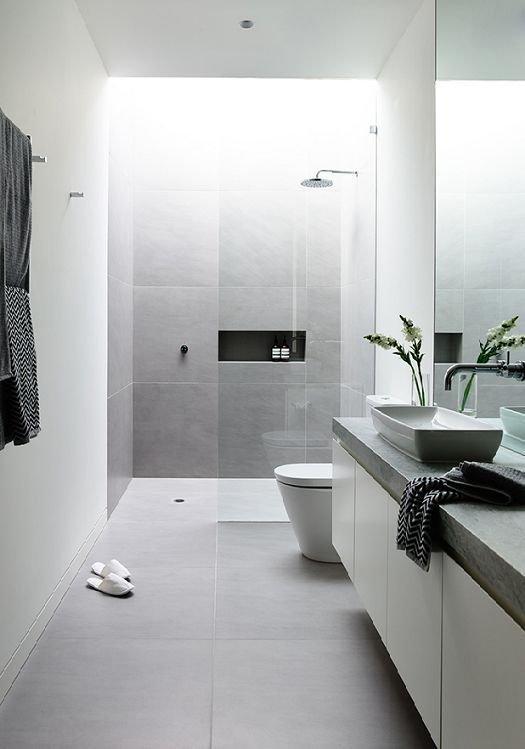 Фотография: Ванная в стиле Минимализм, Мебель и свет, Советы, Ремонт на практике – фото на INMYROOM