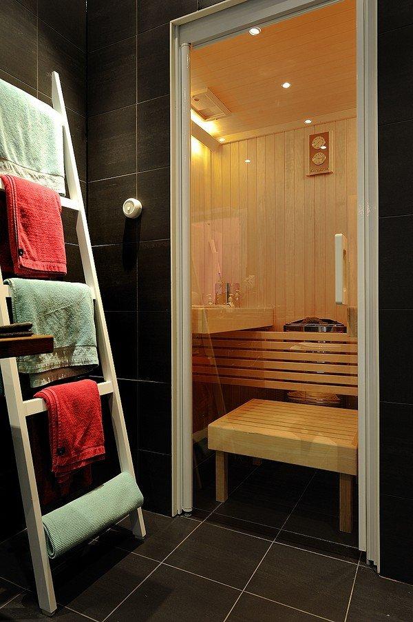Фотография: Ванная в стиле Современный, Декор интерьера, Декор дома, Советы, Лестница – фото на INMYROOM