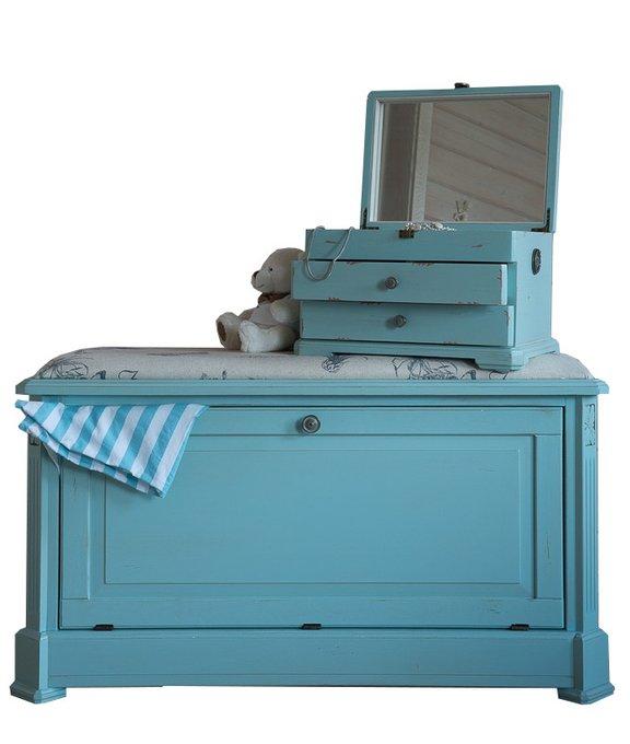 Пуф-сундук голубого цвета
