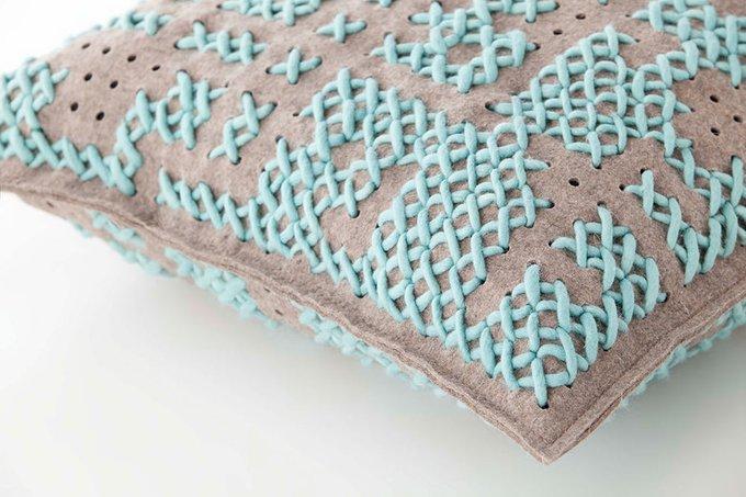 Квадратная подушка Gan Canevas из натуральной шерсти