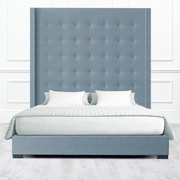 Кровать Irvine из массива с обивкой серого цвета