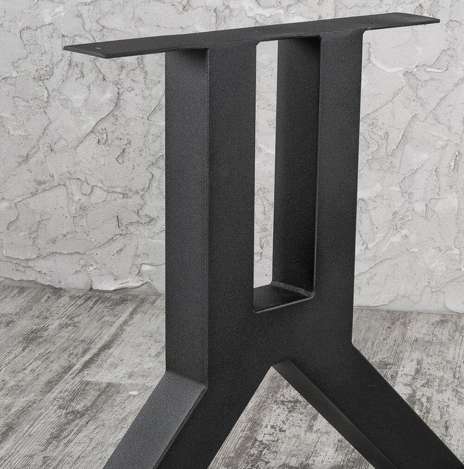 Стол обеденный на металлических ножках