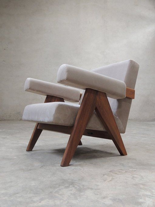 Кресло Pierre Jeanneret Chandigarh Lounge chair серого цвета