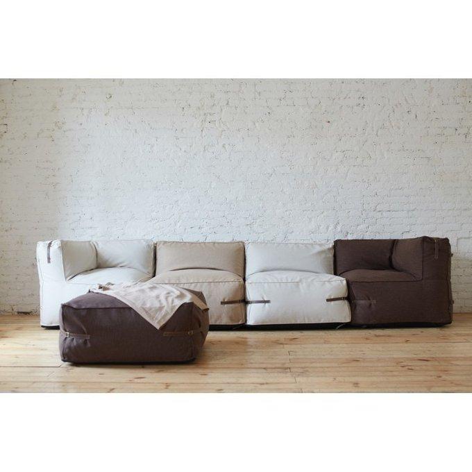 Бескаркасный модульный диван с декоративными ремешками