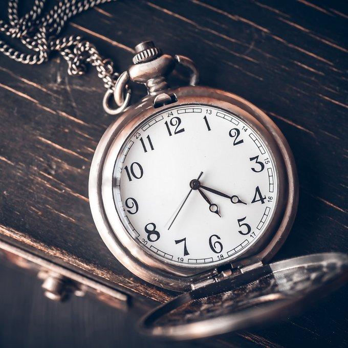 Постер Часы с металлической рамой 50х50