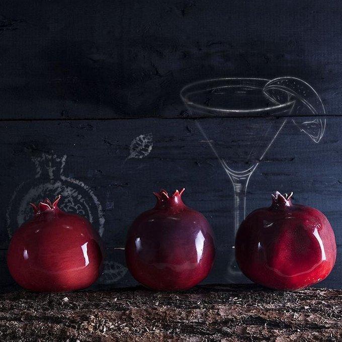 Декор Garnet ярко-красного цвета