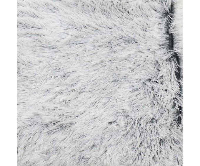 Плед из искусственного меха серого цвета