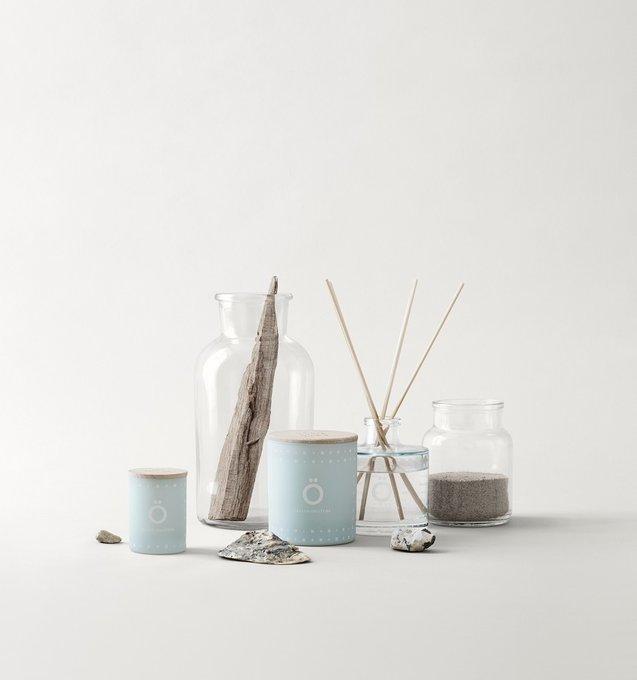 Свеча ароматическая OY голубого цвета с крышкой