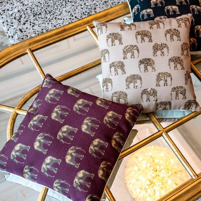 Интерьерная подушка Группа слонов бежевого цвета