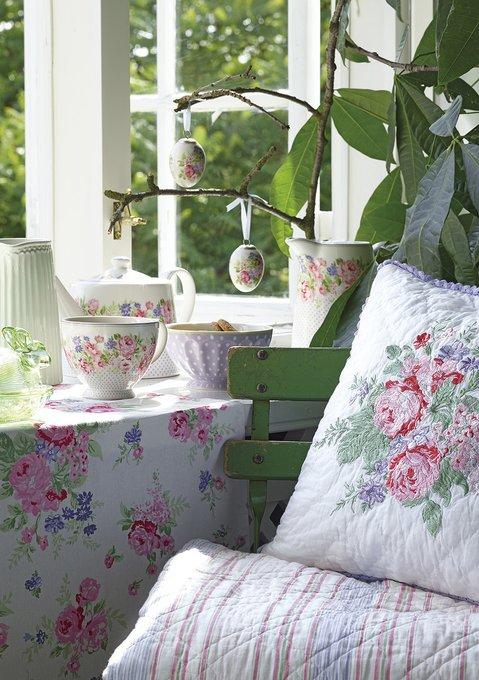 Чайная чашка Rose white из фарфора