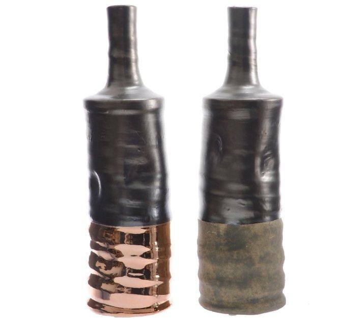 Керамическая ваза бронзово серого цвета