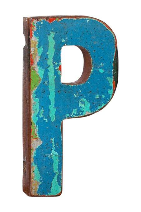Декор буква P из фрагмента рыболовецкого судна