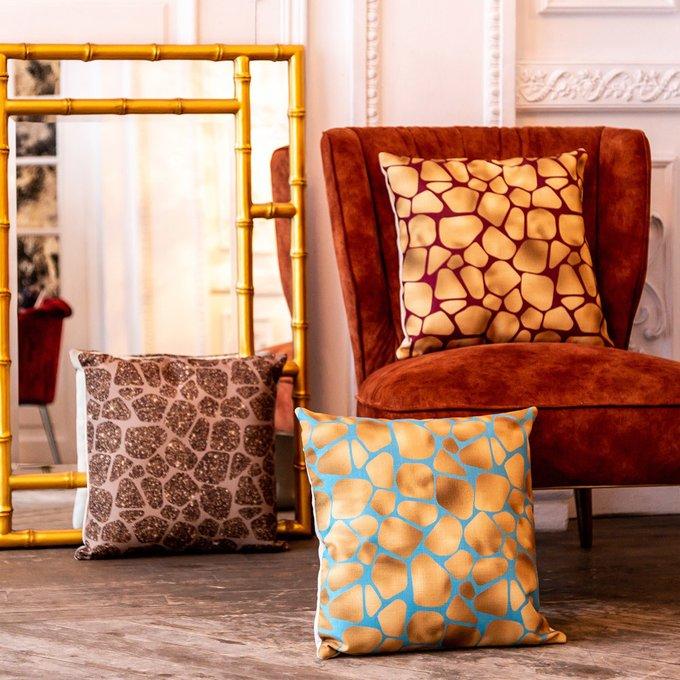 Интерьерная подушка Сахара золото-голубого цвета