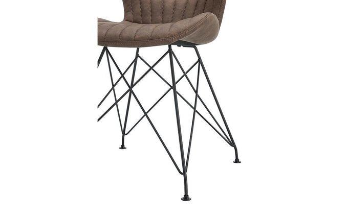 Мягкий стул коричневого цвета