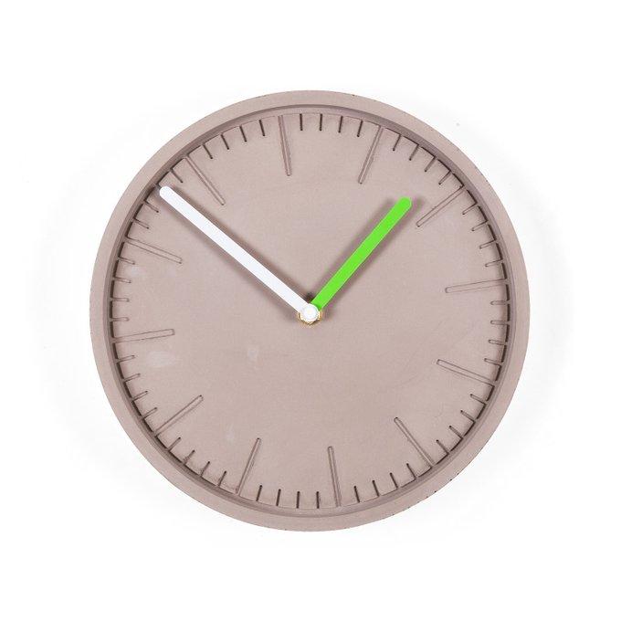 Часы настенные Form серого цвета