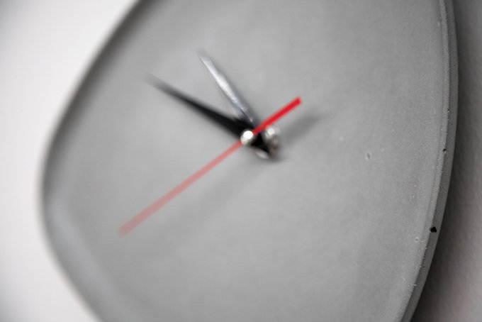 Часы настенные Ellipse из бетона