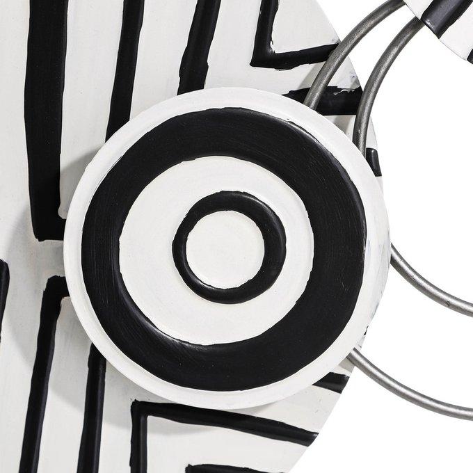Настенный декор черно-белого цвета
