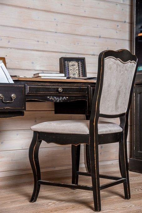Письменный стол с двумя ящиками