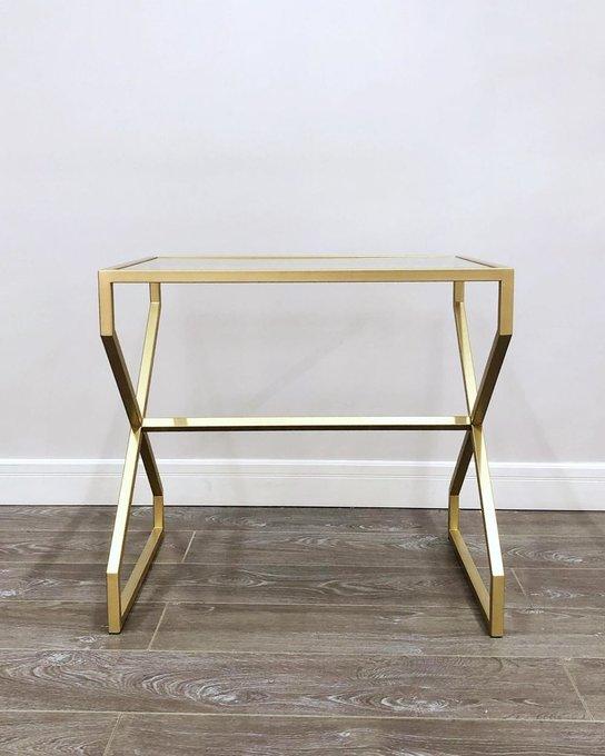 Кофейный столик Крокус золотого цвета