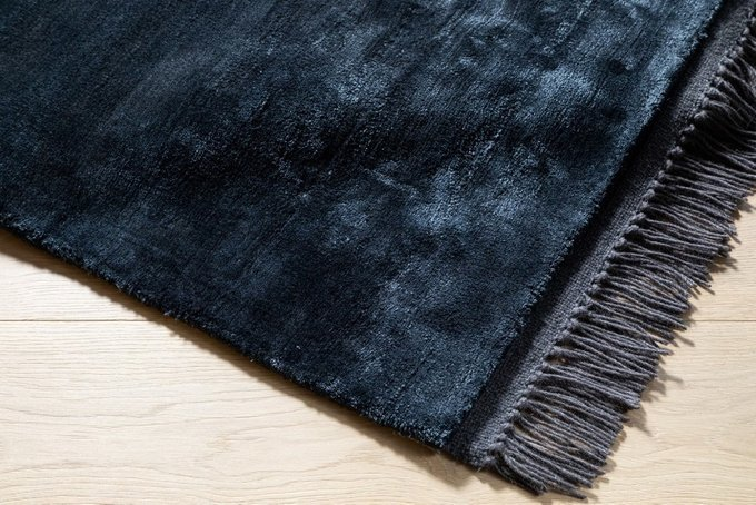 Ковер Luna Midnight темно-синего цвета 160х230