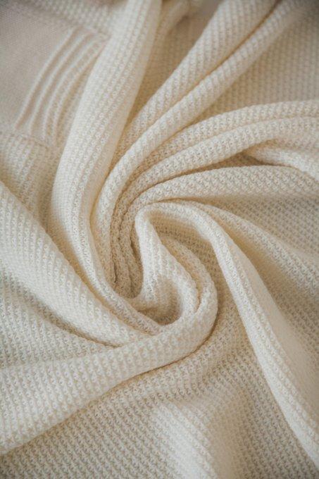 Плед Pompon 90х90 молочного цвета