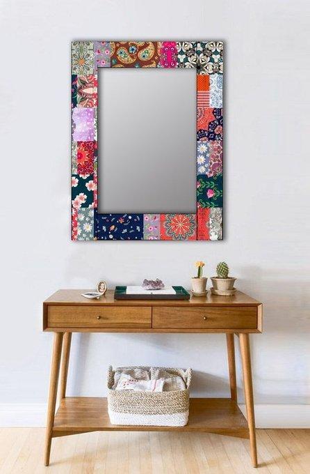 Настенное зеркало Косынка в раме из массива сосны 90х90