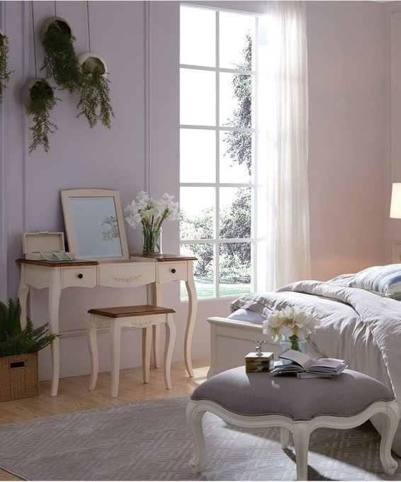Табурет деревянный цвета белая карамель