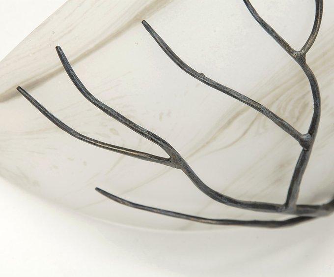 Настенный светильник MM Lampadari с плафоном из стекла матового белого цвета