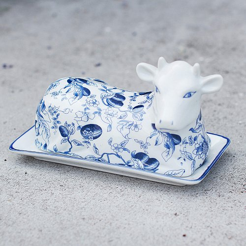 Масленка корова с синим узором