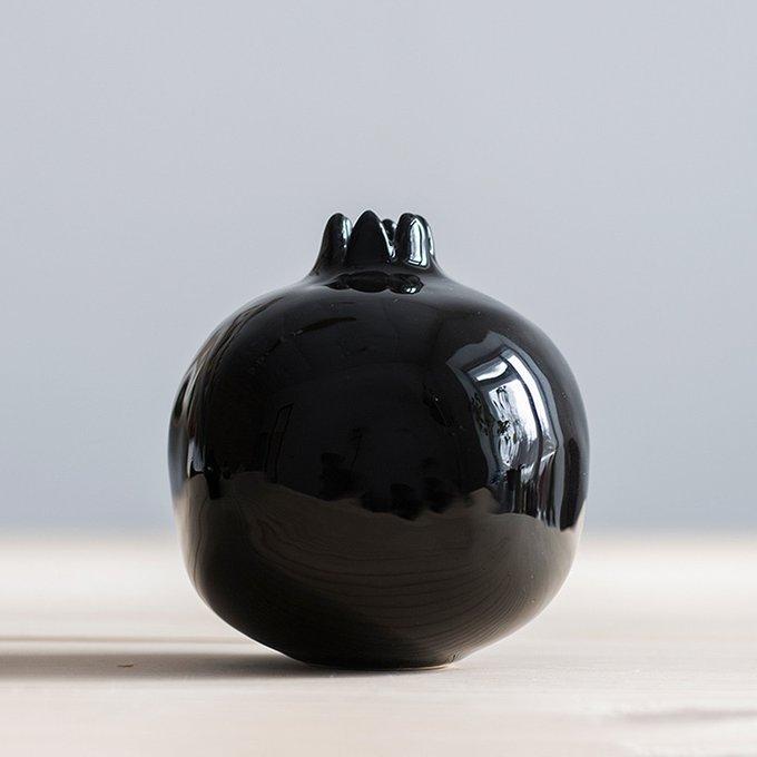 Декор Garnet в виде граната черного цвета